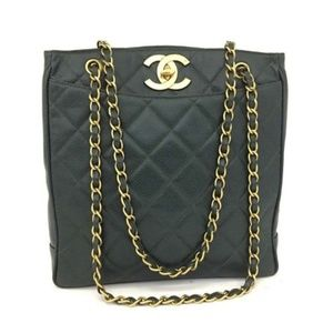 Auth CHANEL Quilted Matelasse CC Logo Caviar Skin